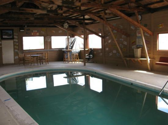 Canyon Motel & RV Park: Indoor pool