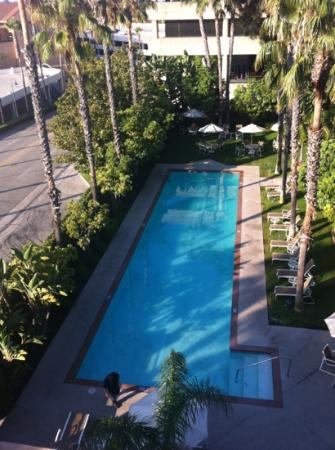 Embassy Suites by Hilton Brea - North Orange County: hotel pool