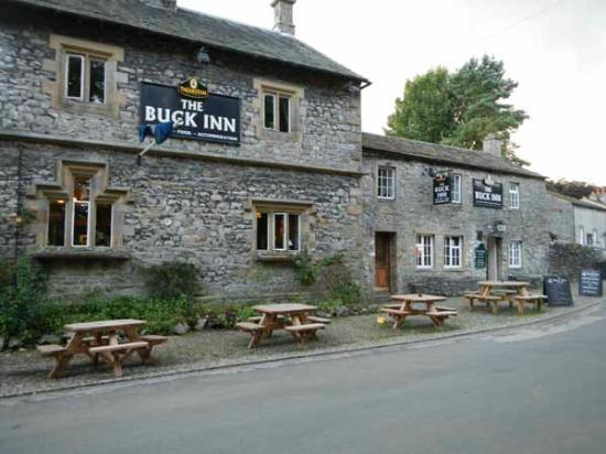 The Buck Inn: exterior