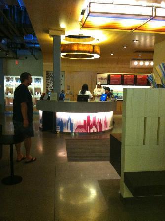 Aloft BWI Baltimore Washington International Airport: lobby