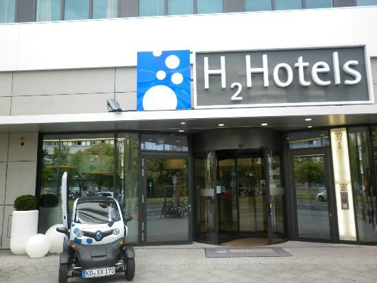 H2 Hotel Berlin Alexanderplatz: l'ingresso dell'hotel