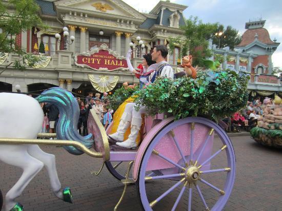 Disney Parade - Picture of Disneyland Paris, Marne-la-Vallee