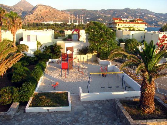 Amoudara, Greece: Детская площадка