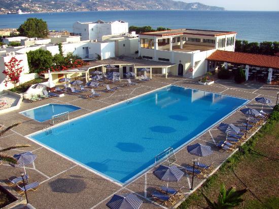 Amoudara, กรีซ: Вид на большой бассейн