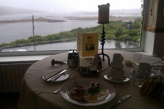 Ardagh Hotel & Restaurant: Full Irish Breakfast, view from the dining room