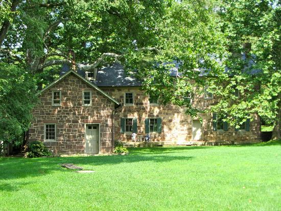 Speedwell Forge B&B: Back side of the house
