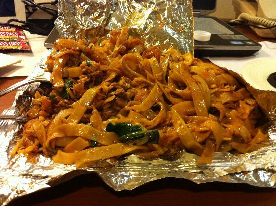 China Town: Fried noodles - huge Portion