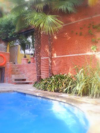 Hotel Balmes: Pool area
