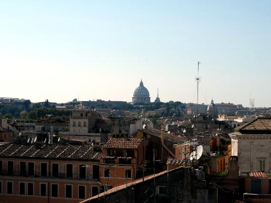 Boutique Hotel Campo de Fiori: view from the roof top terrace