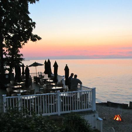 The Lakehouse Inn: sunset from the terrace