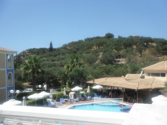 Petros Hotel: balcony view
