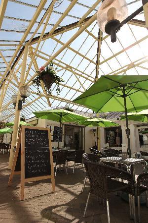Riverbank Cafe: getlstd_property_photo
