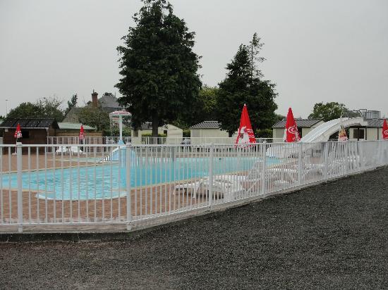 Camping aux Pommiers: piscine chauffée