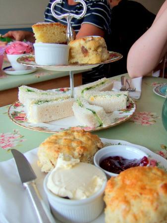 Cragg Sisters Tearoom: Superb homemade afternoon tea