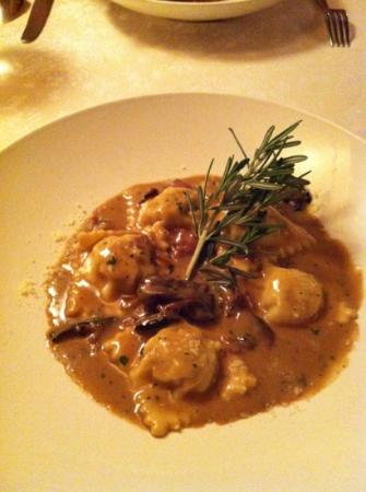Da Maurizio Dining Room : tortellini