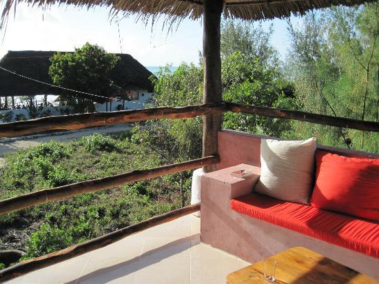 Mbuyuni Beach Village : Terrasse de la chambre