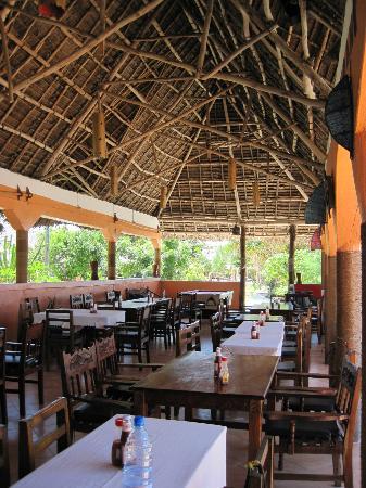 Mbuyuni Beach Village: Restaurant