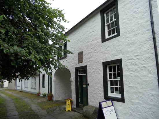 Ecclefechan, UK: Carlyle's birth place
