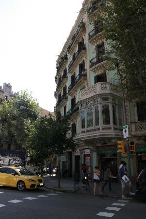 Hostal Central Barcelona: Vue extérieur de l'hôtel