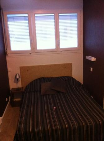 Crystal  Hotel : Deuxième lit de la chambre familiale