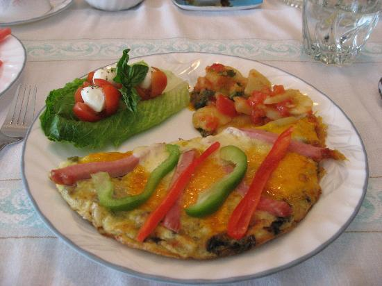 De Rosa Vineyard Bed and Breakfast: DeRosa B+B Beakfast Frittata