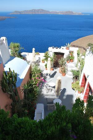 Hotel Kavalari: Vistas jardines