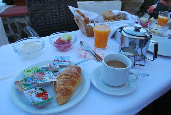 Hotel Kavalari: Desayuno