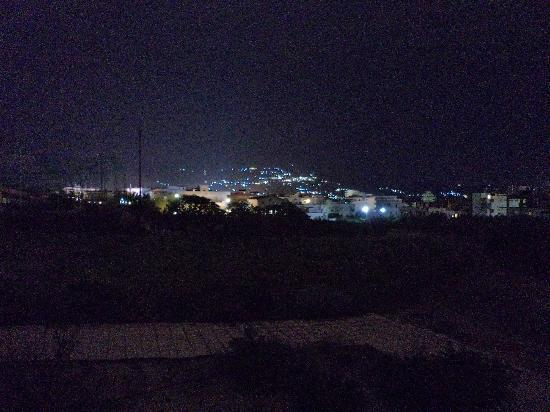 Villa Marina Apartments: night scene