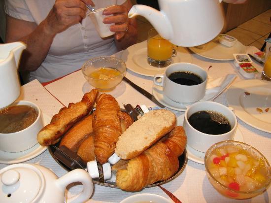 Hotel Caravelle: Breakfast
