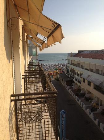 Hotel Gambrinus Mare : Vista dal terrazzino
