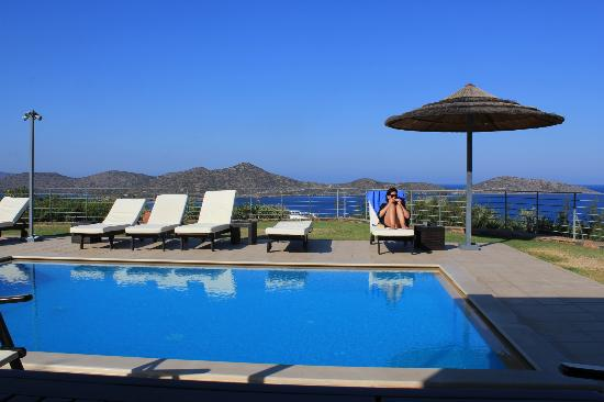Anemos Elounda Luxury Villas: chilling at beautiful villa notos