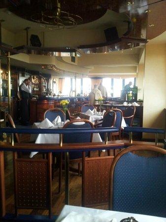 mittagessen im oderturm turm24 restaurant cafe bar frankfurt oder reisebewertungen. Black Bedroom Furniture Sets. Home Design Ideas
