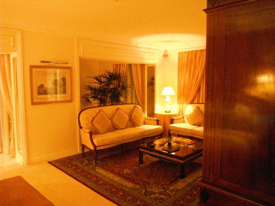 The Ritz-Carlton, Bahrain: Bedroom - executive/diplomatic suite