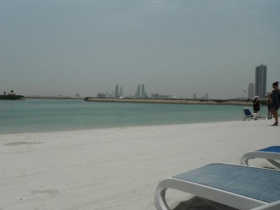 The Ritz-Carlton, Bahrain: Nice beach