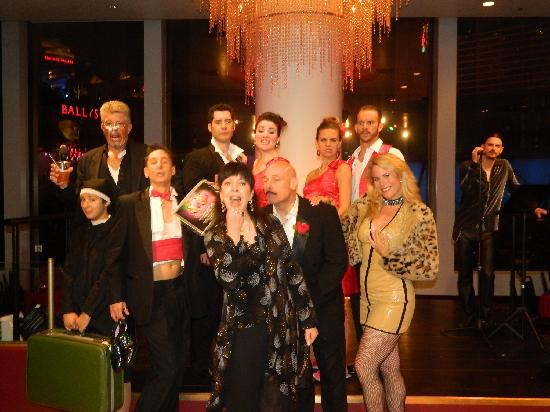 Tony N' Tina's Wedding : Great cast of characters