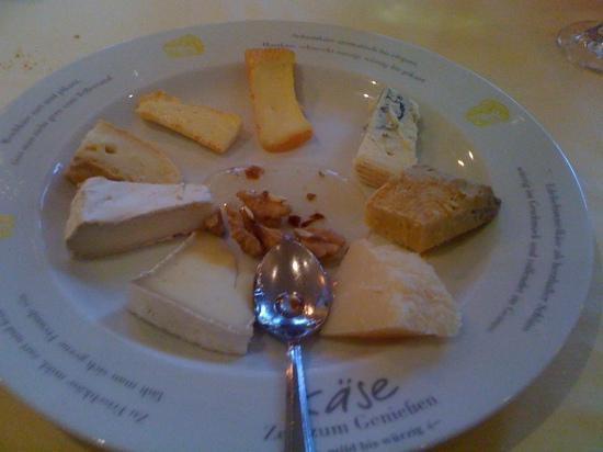 Hotel Erhart: Piatto di formaggi internazionali