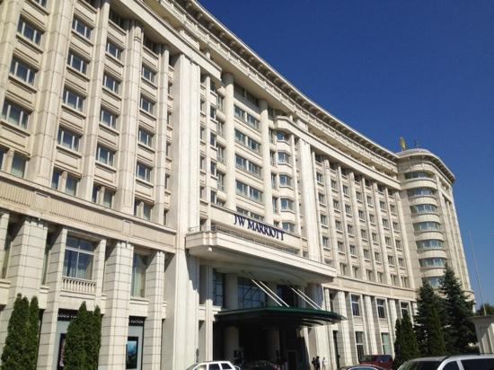 JW Marriott Bucharest Grand Hotel: voorzijde hotel