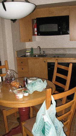 Fairmont Hot Springs Resort: kitchennette