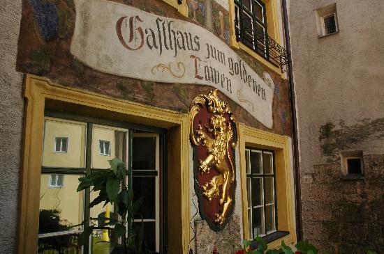 """Hall in Tirol, Austria: Gasthaus """"Zum Goldenen Löwen"""""""