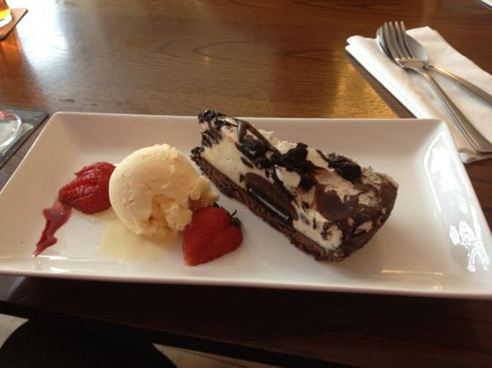 The Old Bell Pub: Oreo cheesecake = heaven