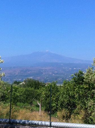 Agriturismo Serra San Biagio: Vue sur l'Etna