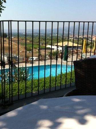 Agriturismo Serra San Biagio: Vue de la salle à manger (en plein air)