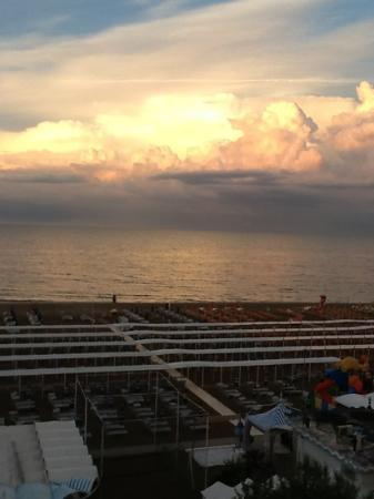 Club Hotel Riccione: vista dalla camera fronte mare