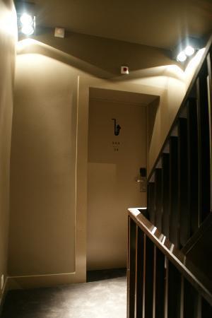 "Hotel Neufchatel : Chambre ""Sax"" 24"