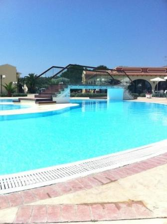 Mayor Capo Di Corfu: pool and bridge