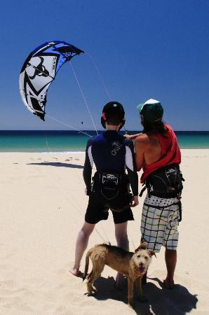 Tantrum Kitesurf: Learning to Launch the Kite