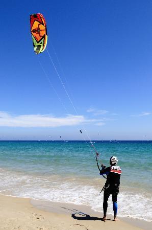 Tantrum Kitesurf: Kitesurfing