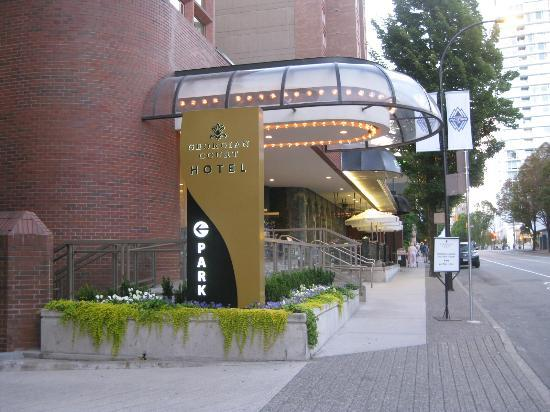 Georgian Court Hotel: Front Entrance