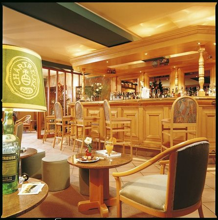 Hotel Restaurant Le Chalet : bar