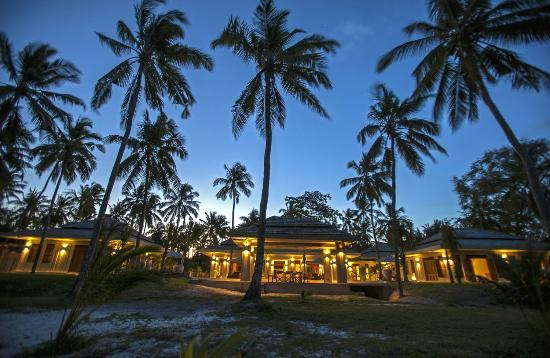 Beach House Kilifi: Evening house lights